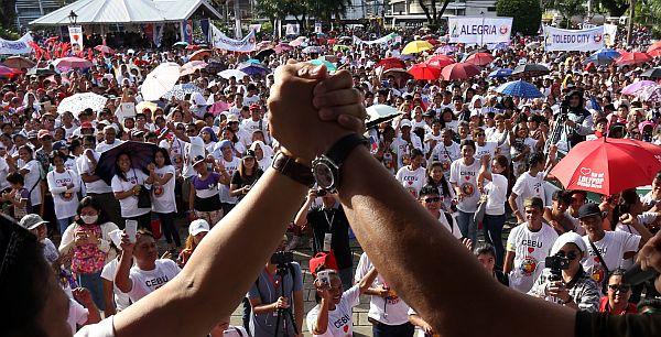 PDP-Laban oath taking in Cebu. Dino, Alvarez